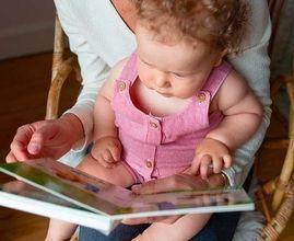 De 0 à 1 an : pourquoi lire des livres avec nos bébés ?